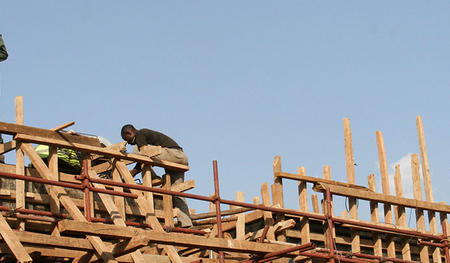 Construction in Nairobi. Photo Laura Rantanen, https://www.flickr.com/photos/mlk_global/