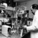 Microbiological research in the 1970s. Photo: Helsinki University Department of Photography.