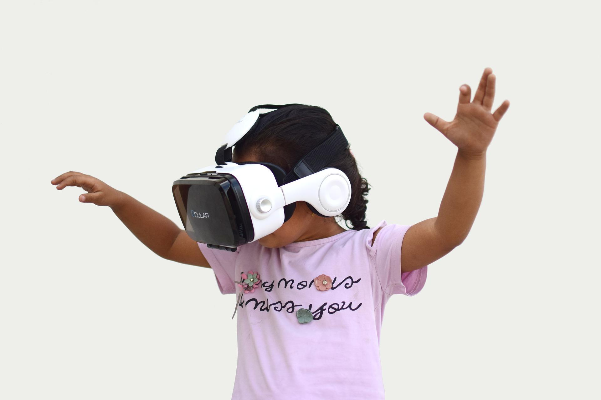 Intervention of social speech comprehension in virtual reality environment