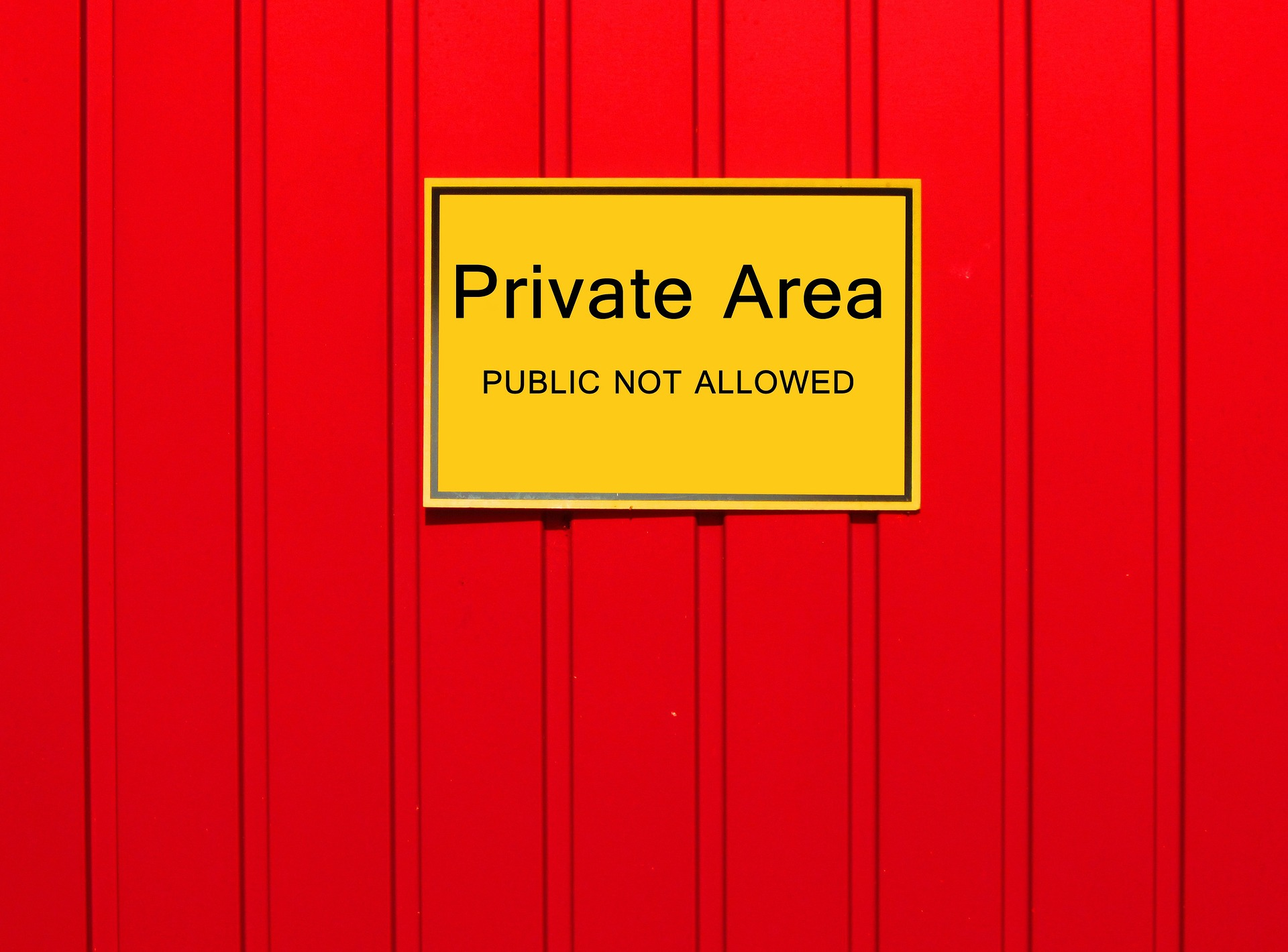 A sign that says private area.